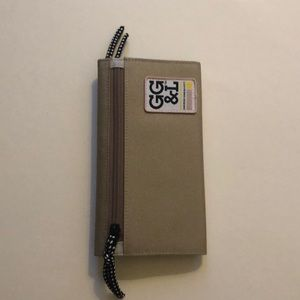 George Gina & Lucy Wallet in Sand